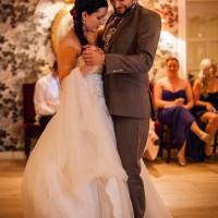 Das Brautpaar beim Hochzeitstanz